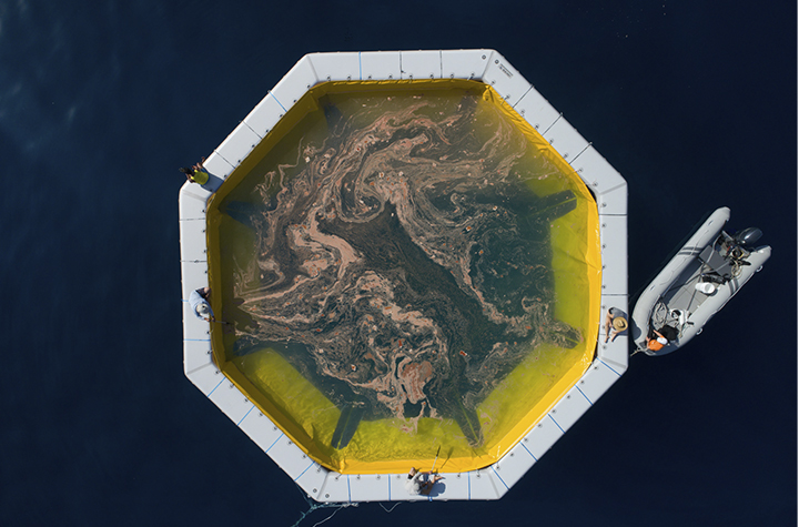 Prof Harrison's floating coral nursery (credit Juergen Freund) for T4