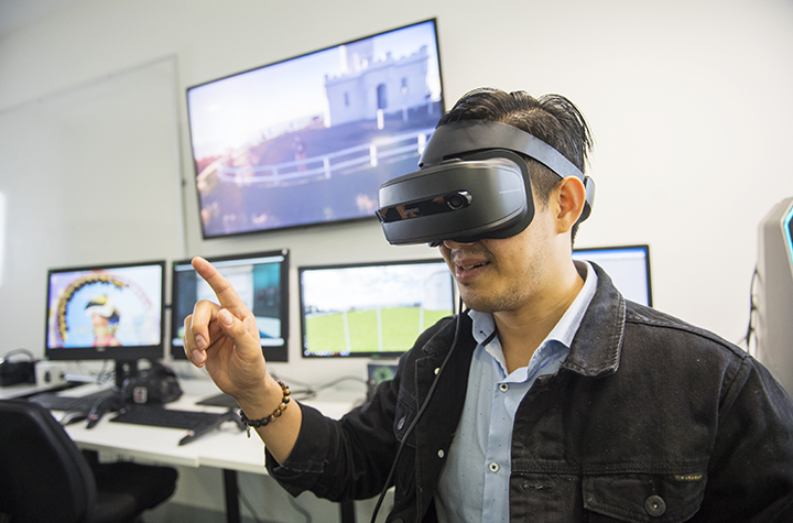 IT student Nehemia Sugianto experiments with virtual reality of Cape Byron lighthouse from the Gold Coast campus